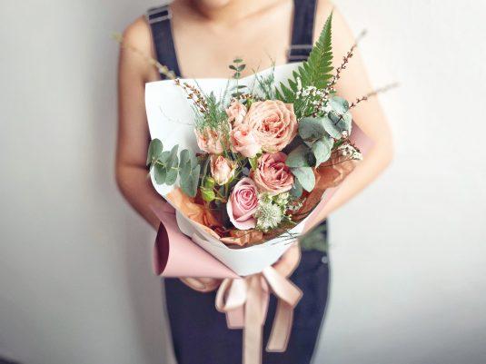 cappucino roses , rose spray, eucalyptus