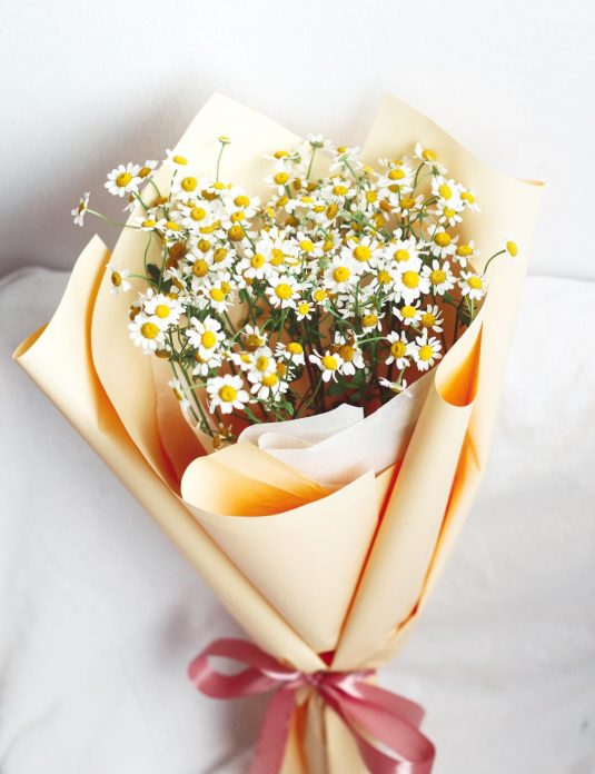 mini daisy flower bouquet